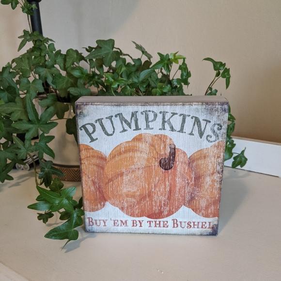 Wooden Pumpkin Sign